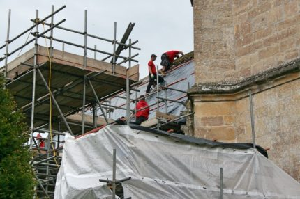 Craftsmen on the roof